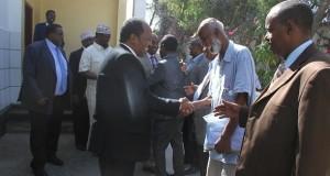 الحكومات الاقليمية تضيق الخناق على الرئيس حسن شيخ