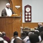 الشيخ محمد إدريس يخطب الجمعة أحد المساجد بالمهجر